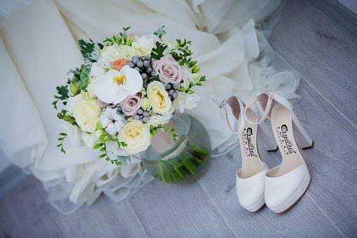結婚式場の見学を始める前に準備しておくべきポイントは?